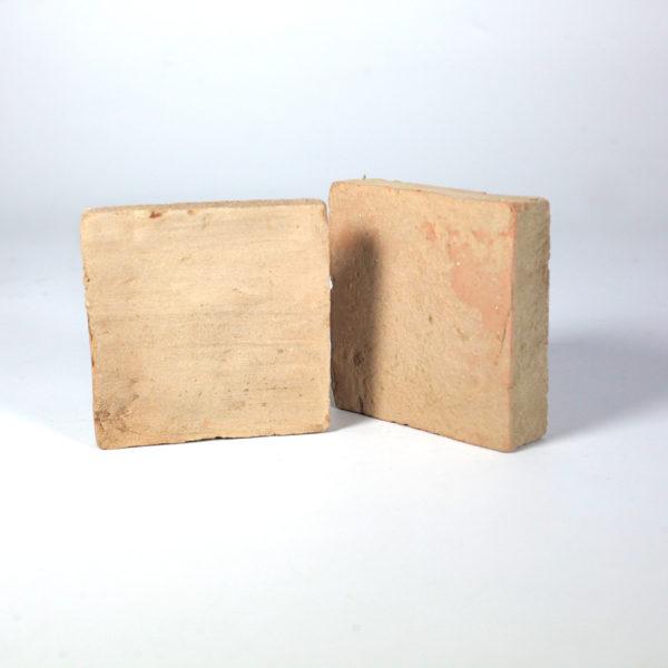 particolare delle forme del Cotto fatto a mano Fornace Femminelli, Castel Viscardo