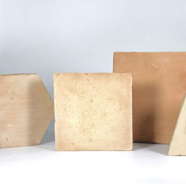 le forme in cotto fatto a mano della Fornace Femminelli, Castel Viscardo